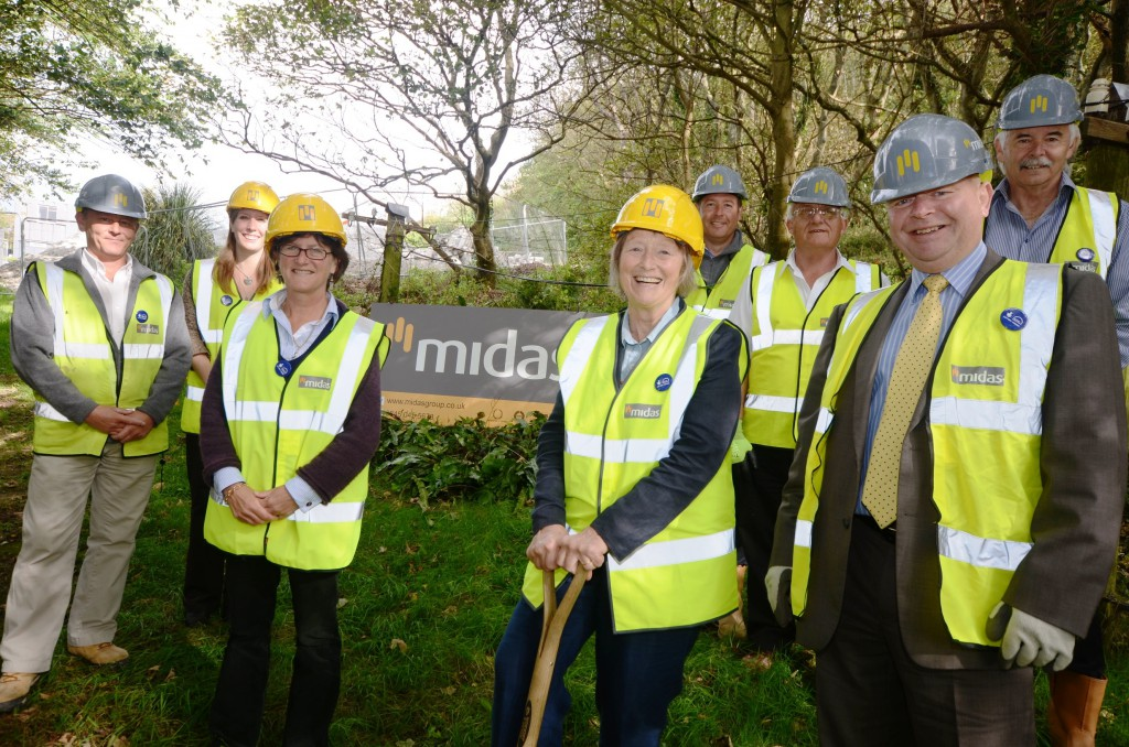 Lady Banham MBE cuts turf on site